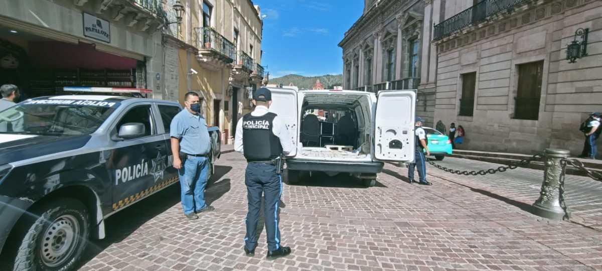 Policía Turística de Guanajuato apoya en traslado de obras dearte